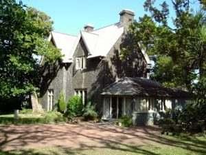 Kinder House